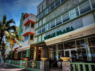 Photograph - Miami - Deco District 004 by Lance Vaughn