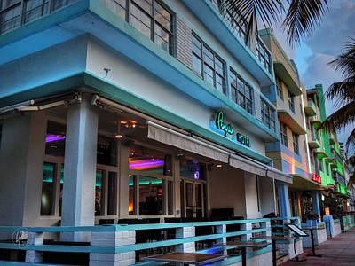 Photograph - Miami - Deco District 006 by Lance Vaughn