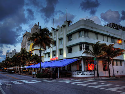 Tree Photograph - Miami - Deco District 019 by Lance Vaughn