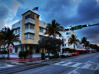 Photograph - Miami - Deco District 020 by Lance Vaughn