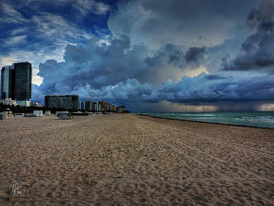 Miami Photograph - Miami - South Beach 002 by Lance Vaughn