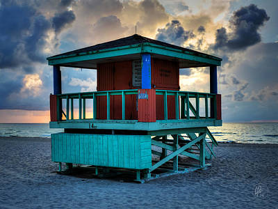 Photograph - Miami - South Beach Lifeguard Stand 001 by Lance Vaughn
