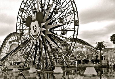 Photograph - Mickey's Ferris Wheel by Tracey McQuain