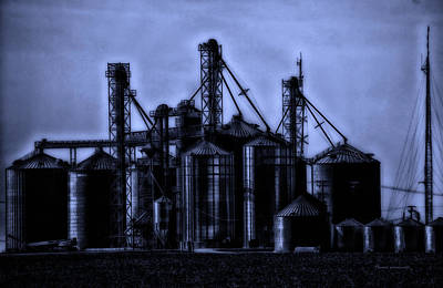 Bed Quilts Digital Art - Midnight On The Silos by Thomas Woolworth