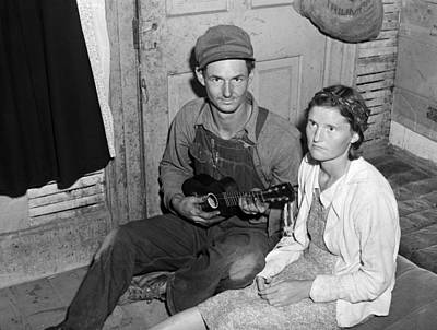 Ukelele Photograph - Migrant Couple, 1940 by Granger