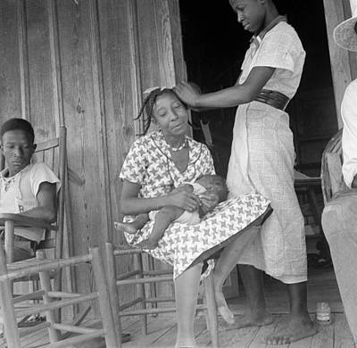 Photograph - Migrant Family, 1936 by Granger