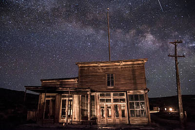Photograph - Milky Way Over  Wheaton And Hollis Hotel by Cat Connor
