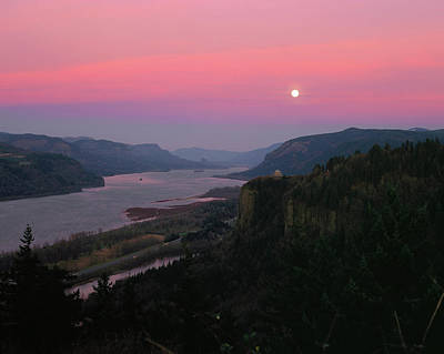State Parks In Oregon Photograph - Millenium Moon Over Crown Point by Panoramic Images
