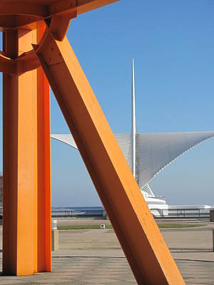 Photograph - Milwaukee Art Museum And Sunburst by Anita Burgermeister