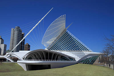 Photograph - Milwaukee Art Museum - Calatrava by James Hammen