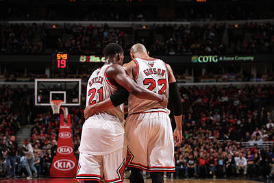 Photograph - Milwaukee Bucks V Chicago Bulls by Gary Dineen