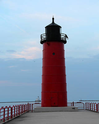 Photograph - Milwaukee Pierhead Lighthouse by George Jones