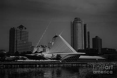Photograph - Milwaukee Wisconsin Skyline by David Haskett