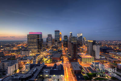 Marquette Wall Art - Photograph - Minneapolis Skyline At Night by Wayne Moran