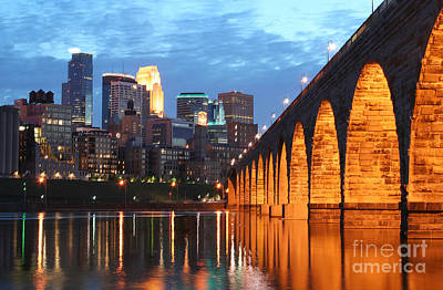 Print Photograph - Minneapolis Skyline Photography Stone Arch Bridge by Wayne Moran