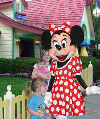 Photograph - Minnie Mouse Greeting by Doug Kreuger