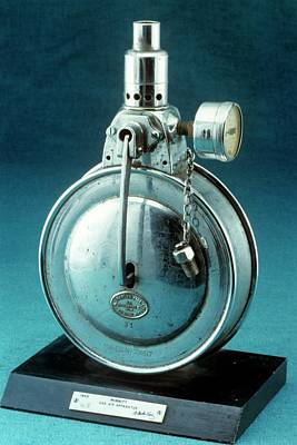 Minnitt's Analgesia Apparatus Print by Science Photo Library