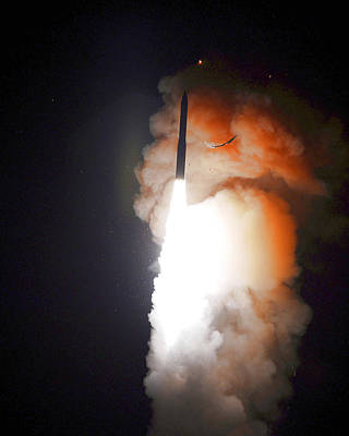 Ballistic Photograph - Minuteman IIi Missile Test by Science Source