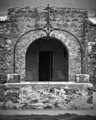 Photograph - Mission Concepcion Well Bw by Jemmy Archer