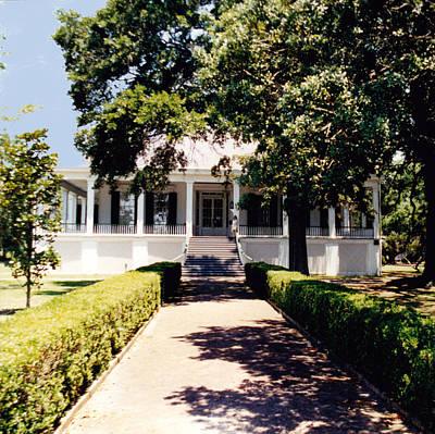 Travel - Mississippi Mansion by Glenn Aker