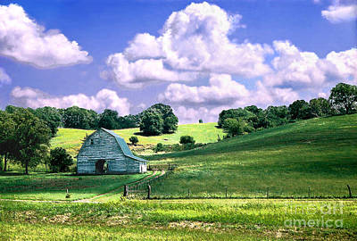 Farm Life Paintings Rob Moline - Missouri River Valley by Steve Karol
