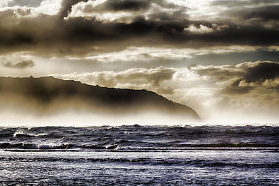 Haleiwa Photograph - Misty Seas by Douglas Barnard