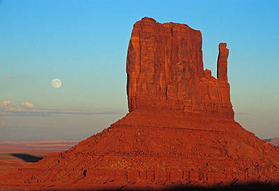 Photograph - Mitten And Moon by Doug Davidson