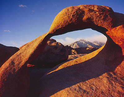 Photograph - Mobius Arch 2 by Tom Daniel