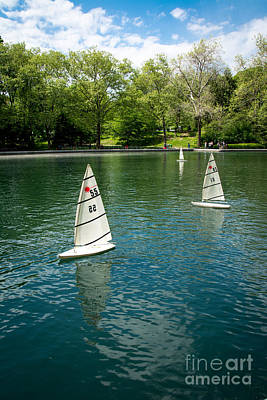 Model Boats On Conservatory Water Central Park Art Print