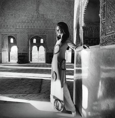 Black And White Photograph - Model In The El Mirador De Lindaraja by Henry Clarke