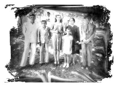 Photograph - Modern Family by Beto Machado