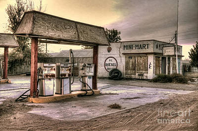Photograph - Mohawk Mini Mart by Eddie Yerkish