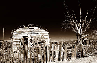 Old School Houses Photograph - Mojave House by John Rizzuto