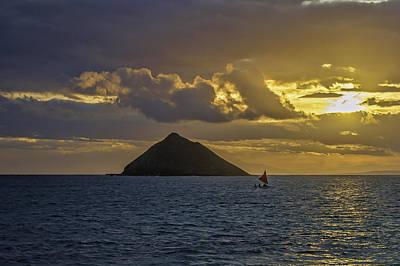 Photograph - Moku Iki Sailing Canoe by Dan McManus