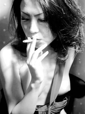japanese smoking girl