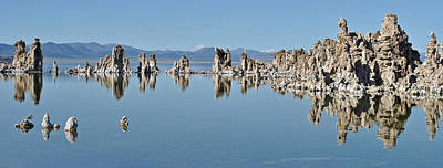 Photograph - Mono Lake 058 by Jeff Brunton