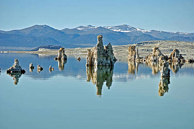 Photograph - Mono Lake Ca 075 by Jeff Brunton