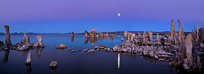 California Seascape Photograph - Mono Lake Moon Rise by Hua Zhu