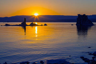Photograph - Mono Lake Sunrise by Nicholas Blackwell