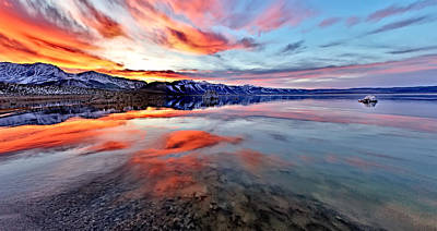 Photograph - Mono Lake Sunset 2 by Tomasz Dziubinski