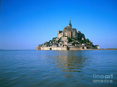 Sait Photograph - Mont Saint Michel by Adam Sylvester