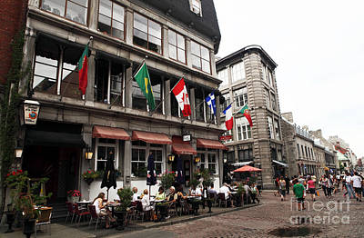 Old Montreal Photograph - Montreal Lunch by John Rizzuto