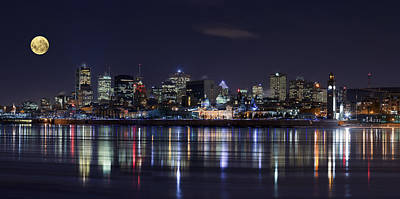 Circular Photograph - Montreal Night by Yuppidu