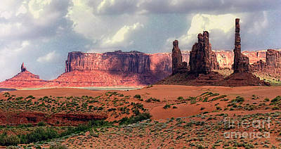 Photograph - Monument Valley #11 by Tom Griffithe