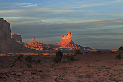 Art Print featuring the photograph Monument Valley Sunset by Alan Vance Ley