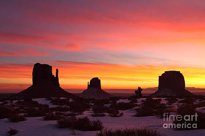 Photograph - Monumental Sunrise by Bill Singleton