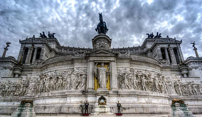 Rome Photograph - Monumento Nazionale A Vittorio Emanuele II Rome Italy by Bruce Ingwall