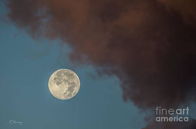 Moon Transition From Night To Day Art Print by Rene Triay Photography