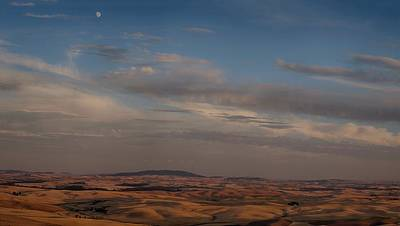 Photograph - Moonrise At Sunset In The Palouse by Victoria Porter