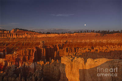Photograph - Moonrise Bryce Canyon National Park Utah by Dave Welling